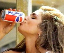 Pepsi Generation, spot Superbowl con Cindy Crawford (1992)