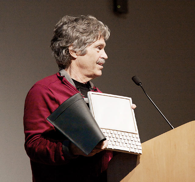 Alan Kay prototipo Dynabook